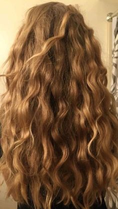 Permed Hairstyles, Pretty Hairstyles, Hair Inspo, Hair Inspiration, Ulzzang Hair, Beautiful Long Hair, Amazing Hair, Hair Remedies, Bad Girl Aesthetic