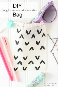DIY: sunglasses and accessories bag - perfect for on-the-go and as a smaller bag within a purse!