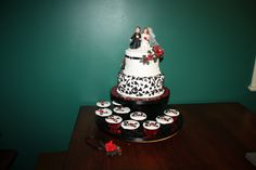 2 T Black & White wedding cake + Cup Cakes