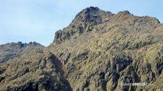 Canal de la Pluma. El Cerro de los Huertos y parte de su cresta a la dcha.