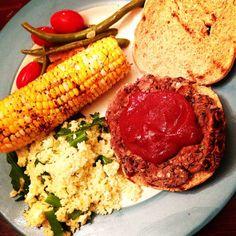 { Cheesy Black Bean Burger } | Love & Light Kitchen #Vegetarian #BlackBeanBurger #VeggieBurger #Burger