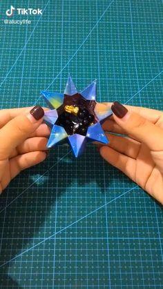 Instruções Origami, Origami Star Box, Paper Crafts Origami, Origami Stars, Diy Crafts For Girls, Diy Crafts To Do, Diy Crafts Hacks, Cool Paper Crafts, Paper Flowers Craft