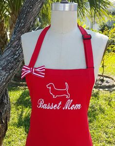 Personalized Pet and MOM Apron /  Silhouette Basset Dog / Red and white apron / Mommy Gift idea / Mascot Silhouette embroidery apron . by SouthernA on Etsy
