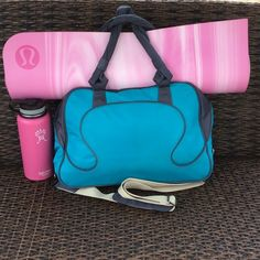 ⚡️Final price⚡️Lululemon Everywhere Bag Hardly used gym /teal color duffle bag ,great for travel or yoga .This bag has room for all your essential,laptop or etc .the twisted handles makes Comfortable and easy to carry And long strap is included ❌NO TRADES❌cheaper on Ⓜ️ lululemon athletica Bags Crossbody Bags