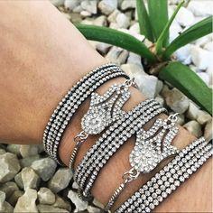 Pulseiras lindas e cheias de estilo como estas só aqui www.mercadodejoias.com @illuminatibijuteriasfinas ILLUMINATI BIJUTERIAS FINAS Complete seu look com belas peças! 💍ATACADO E VAREJO 💍 📍 Limeira - SP 📦 Vendas WhatsApp : (19) 99427-4101 🔹atendimento por ordem de chamada🔹 www.illuminatibijuterias.com.br #semijoias #acessorios #Jewel #amei #brincos #itgirl #moda #tendencias #jewelry #today #amomuito #saopaulo #estilo #glamour #folheados #bruto #bijouterias #bijoux #altabijoux