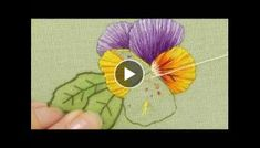 Hand Embroidery - Silk Shading - Long and Short stitch - Pansy Part watch Part 1 first. Hand Embroidery Patterns Flowers, Hand Embroidery Dress, Embroidery Works, Hardanger Embroidery, Embroidery Designs, Crochet Patterns, Diy Flowers, Crochet Flowers, Needle Tatting Tutorial