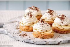 Mary Berry: Mini banoffee pies