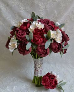 Newest Photographs Bridal Flowers maroon Strategies Carry serious amounts of eva. Newest Photographs Bridal Flowers maroon Strategies Carry serious amounts of eva… Silk Bridal Bouquet, Peony Bouquet Wedding, Peonies Bouquet, Bride Bouquets, Bridal Flowers, Flower Bouquets, Alternative Bouquet, Alternative Wedding, Maroon Wedding