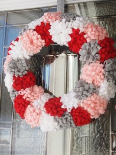 felt wreath- wish I could hang wreaths on my front door! Felt Flower Wreaths, Felt Wreath, Wreath Crafts, Diy Wreath, Felt Flowers, Felt Crafts, Diy Crafts, Wreath Ideas, Door Wreaths