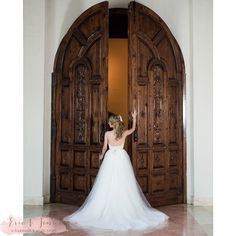 Our Campanile Chapel doors make such a grand backdrop for a lovely bridal portrait! Thanks @ericandjenn for sharing this gorgeous photo!