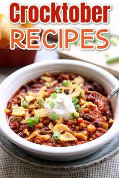 Slow Cooker fall recipes that are warm and cozy! #crockpot