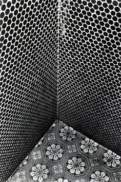 Today we are going to take a look at Penny Round tiles. The Penny Rounds made today are meant to mimic the small round tiles from many decades ago. Tile Patterns, Textures Patterns, Color Patterns, Print Patterns, Photography Essentials, City Photography, Black And White City, Black And White Photography, Design Studios