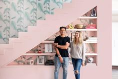 Architectural Digest (@archdigest) • Fotos e vídeos do Instagram Candice Pool, Entryway Paint, Casey Neistat, Moving Cross Country, Botanical Wallpaper, Los Angeles Homes, Indoor Outdoor Living, Modern Glass, Step Inside