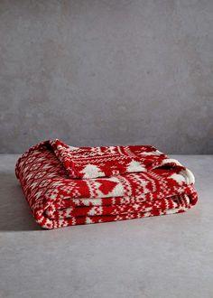 Christmas Hearts Printed Fleece Throw (150cm x 130cm) View 1