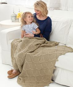Free Pattern: Twisted Diamonds Throw