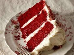 Red Velvet Cake Recipe with Buttercream Frosting - Food and Entertaining - Capper's Farmer Magazine Easy Red Velvet Cake, Red Velvet Cupcakes, Easy Smoothie Recipes, Easy Smoothies, Food Cakes, Bolo Red Velvet Receita, Coconut Recipes, Pumpkin Spice Cupcakes, It Goes On