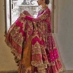 Image may contain: one or more people and people standing Indian Bridal Lehenga, Indian Bridal Fashion, Pakistani Wedding Dresses, Pakistani Dress Design, Indian Dresses, Indian Outfits, Red Lehenga, Saree, Desi Wedding Dresses