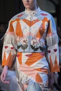 Vivetta at Milan Fashion Week Spring 2019 - Details Runway Photos Modern Fashion, New Fashion, Runway Fashion, High Fashion, Fashion Looks, Womens Fashion, Milan Fashion, Couture Fashion, Vivetta