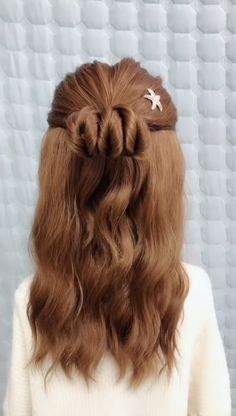 Click the hairstyle link to see more  Girls with long hair are very suitable for covering up their hair, but we do n't tie our hair every day, so we just cover up our hair. In many cases, it is indecent. If you want to tie a good-looking and decent For long hair hairstyles, hurry up and take a look at these beautiful and dignified girls with shawl long hair braided hair styles.