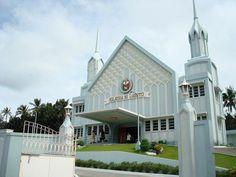 Locale of Tanauan, Batangas I Iglesia Ni Cristo chapel Batangas, Churches Of Christ, Faith Bible, Le Far West, Catholic, Religion, Mansions, House Styles, Christ