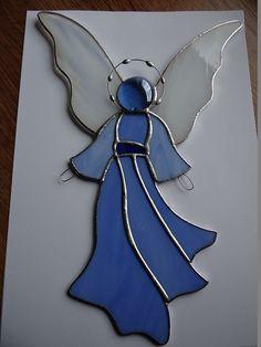 Engel luftig Tiffany Stil Glasmalerei Suncatcher von ArtesanaPL                                                                                                                                                                                 Mehr