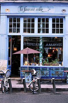 Café en el Barrio Latino de París.