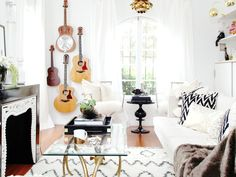 How to Display Musical Instruments as Décor