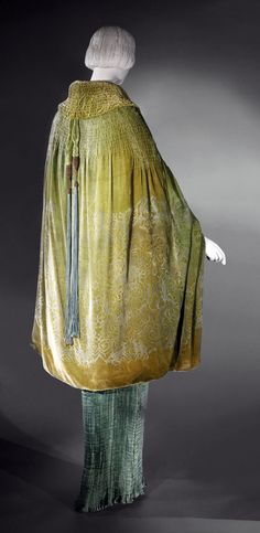 Cape, Maria Monaci Gallenga, Venice, ca. 1925. Silk velvet with metallic pigment printing. Scrolling leaf design, a common motif in ancient Rome, printed on a woman's evening cape, which was an early 20th century fashion staple. Philadelphia Museum of Art