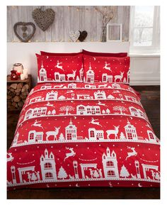 This beautiful Reindeer Road Brushed Cotton Christmas Double Duvet Cover Set will add a touch of festive fun to any bedroom this Christmas! Free UK delivery available