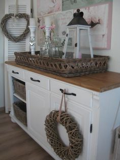 Refurbish oak dresser - leave the top intact and paint everything else white (or black) Decoupage Furniture, Painted Furniture, Country Interior, Love Home, Diy Home Crafts, Home Furnishings, Sweet Home, Shabby, House Design