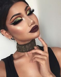 Matte tones are still very popular. The autumn is coming so the dark purple and red will be a great choice for the lips.