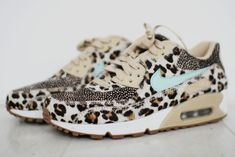 Nike id leopard print nike id leopard print luipaard nikes, luipaa Nike Beige, Cute Shoes, Me Too Shoes, Designer Sneakers, Leopard Print Nikes, Cheetah, Nike Air Max, Basket Style, Zapatos Shoes