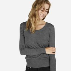 Our most elegant fabric in a relaxed U-Neck sweater 100% Superfine Merino…