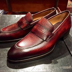Formal alligator leather loafers dress shoes for men. These are formal shoes yet quite tasteful ones to add a spoon of fashion with sophistication in your persona. Formal Dresses For Men, Formal Shoes, Mens Fashion Shoes, Men S Shoes, Men's Fashion, Dress Loafers, Dress Shoes, Suede Shoes, Slip On Shoes
