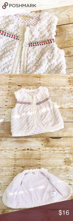 🎉HP🎉 Genuine kids Oshkosh tribal toddler vest Nwt! Hook closure Osh Kosh Jackets & Coats Vests
