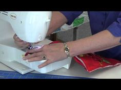 Binding a pot holder with hanging loop. - YouTube