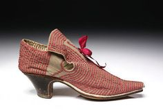 25 Espadrilles That Will Inspire You - New Shoes Styles & Design Baroque Fashion, Vintage Fashion, 17th Century Fashion, Old Shoes, Women's Shoes, Fashion Plates, Vintage Shoes, Leather Shoes, White Leather