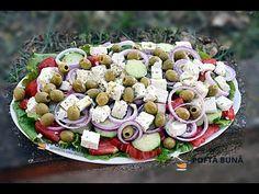 Salata greceasca, reteta simpla si rapida, o salata cu rosii, ardei, castraveti, branza si masline. Reteta video pas cu pas.