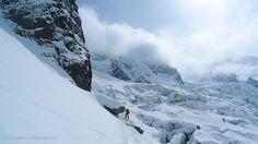 Week-end intense en #sensations pour deux jours #free-ride à #Chamonix. Imaginez-vous dévaler la piste d'un glacier et contempler les sommets enneigés? Week End Ski, Voyage Ski, Ski France, Ski Freeride, Chamonix Mont Blanc, Glacier, Best Skis, Guide, Mount Everest