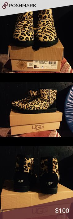 Leopard Ugg booties need I say more!! Leopard Uggs worn once practically brand new. In the original box as well. Great for that stylish woman that's still wants to be warm. Or that cool girl in school. Size 6 in Ugg but I wear 71/2 in woman. UGG Shoes Winter & Rain Boots