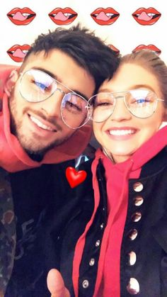 Gigi Hadid looks smitten as she goes cheek to cheek with Zayn Malik Hadid Instagram, New Instagram, Instagram Story, Beaux Couples, Cute Couples, Liam Payne, Kendall Jenner, Kylie, Divas