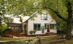 Evergreen Cottages Inn - Romantic bed and breakfast escape in the heart of the Smoky Mountains. #gatlinburg