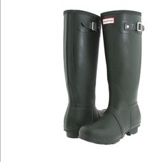 Hunter boots woman sz 5 Color dark olive new with original box Hunter Boots Shoes
