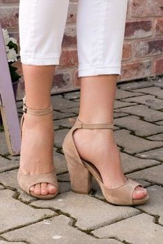 Fancy Shoes, Pretty Shoes, Cute Shoes, Me Too Shoes, Wedge Ankle Boots, Shoes Heels Boots, Comfy Shoes, Comfortable Shoes, Beautiful Sandals