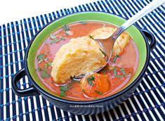 Supa de rosii cu galuste din gris - Bunătăți din bucătăria Gicuței Thai Red Curry, Appetizers, Romania, Cooking, Ethnic Recipes, Supe, Food, Recipes, Romanian Recipes