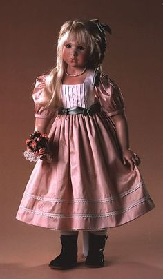 Розовый винил белье, русскую молодую блондинку поимел на желтом диване