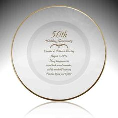 Engraved Wedding Anniversary Glass Plate with Gold Rim 50 Wedding Anniversary Gifts, Anniversary Gifts For Parents, Anniversary Ideas, Anniversary Surprise, Marriage Anniversary, Wedding Gifts For Parents, Wedding Ideas, Wedding Images, Wedding Trends