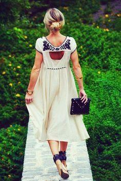 boho dress cream with back detail. Mode Boho, Mode Chic, Mode Style, Estilo Fashion, Look Fashion, Fashion Beauty, Womens Fashion, Dress Fashion, Fashion 2015