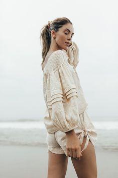 Unique, hand crafted smocks and dresses designed by Innika. Bohemian Tops, Folk Fashion, Womens Fashion, Linen Dress Pattern, Mode Simple, Moda Boho, Casual Tops, Smocking, Boho Chic