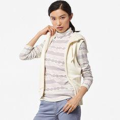 UNIQLO Women Heattech Fleece Turtleneck Long Sleeve T-Shirt ($20) ❤ liked on Polyvore featuring tops, t-shirts, long sleeve tops, pattern t shirts, fleece tops, white top and turtleneck t shirts